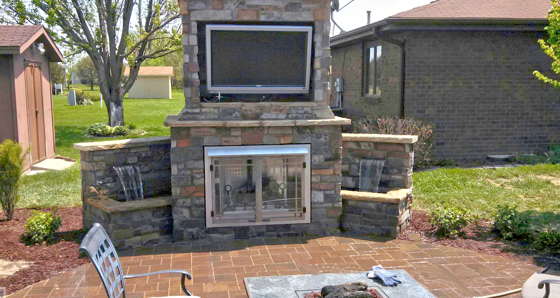outdoor-patio-fireplace
